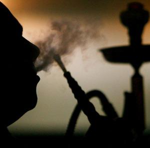 Разрешено или запрещено курить кальян (бывает табак со вкусом апельсина или других фруктов)?